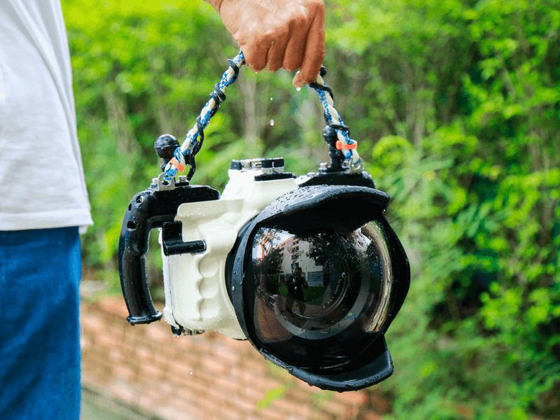 ダイビング用カメラの選び方