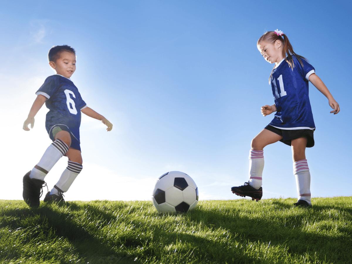 小学生におすすめのサッカーボール人気ランキングTOP10!サイズ規格や目的別による選び方