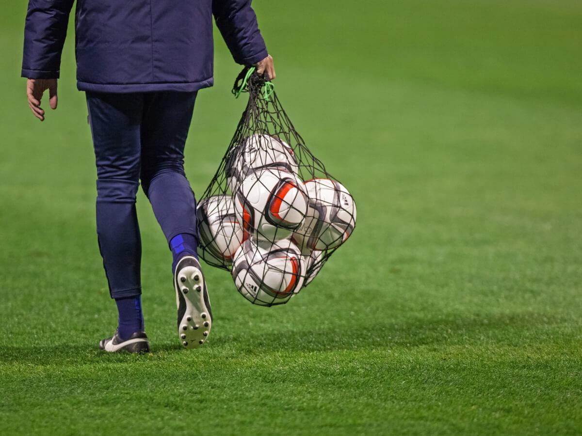 サッカーボールバッグおすすめ25選!リュック型・トート型商品を人気ブランド別にご紹介