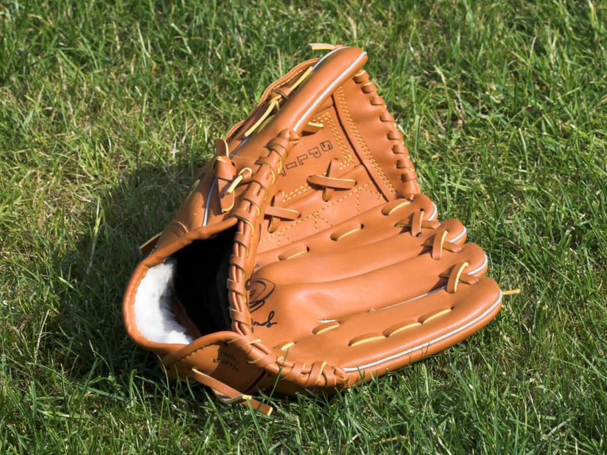 野球グローブおすすめランキングTOP15!初心者から大人まで使いやすい人気メーカー商品の選び方