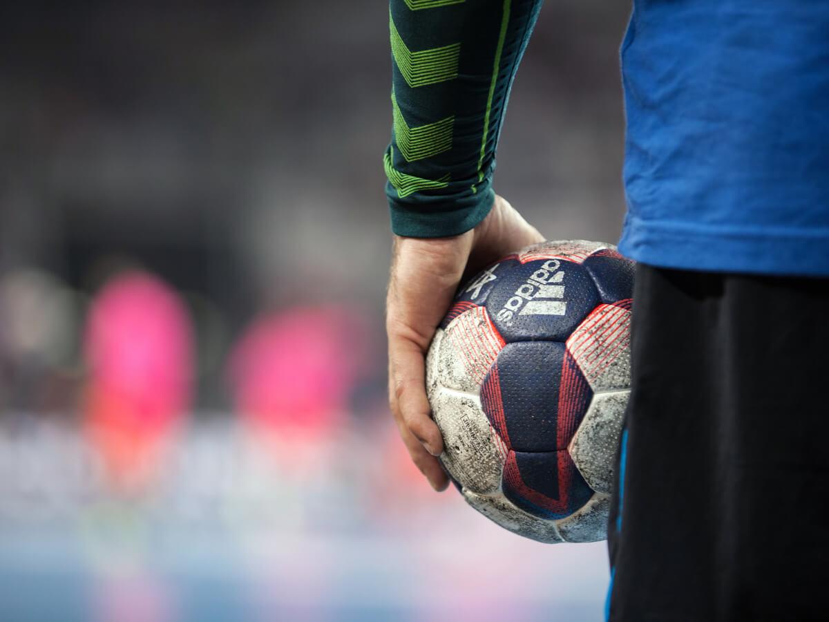 ハンドボール用ボールおすすめ10選!値段は大きさの種類で違う?