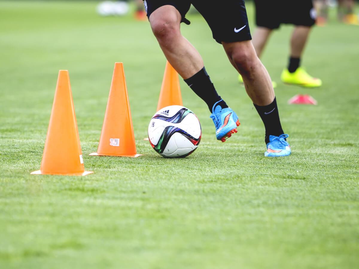 サッカートレーニンググッズおすすめ全27選!器具・用具の種類と使い方も詳しく解説