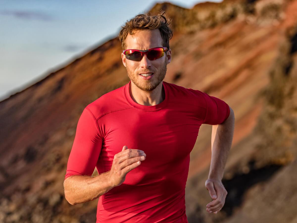 マラソン用サングラスおすすめ16選!気になる効果・レンズの色や度付きの人気商品をチェック
