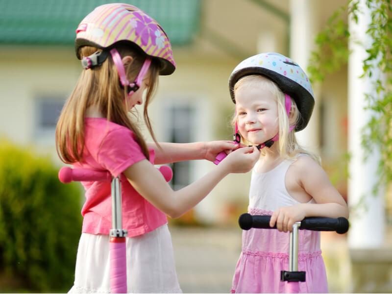 自転車に乗る際ヘルメットは必要?