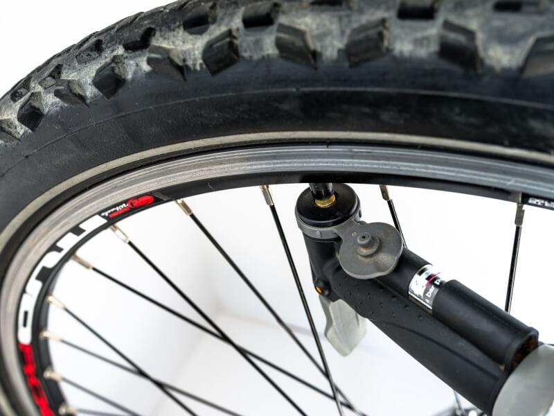 自転車用空気入れのバルブは3種類,自転車用空気入れ