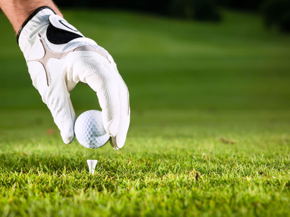 ゴルフグローブおすすめ15選!初心者やレディース用・メーカー別に分けて詳しくご紹介