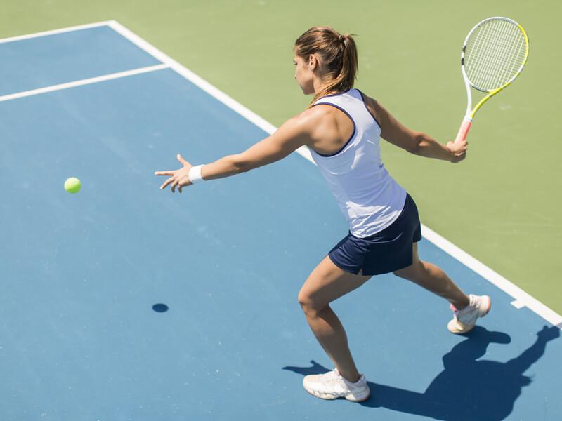 女性 テニス