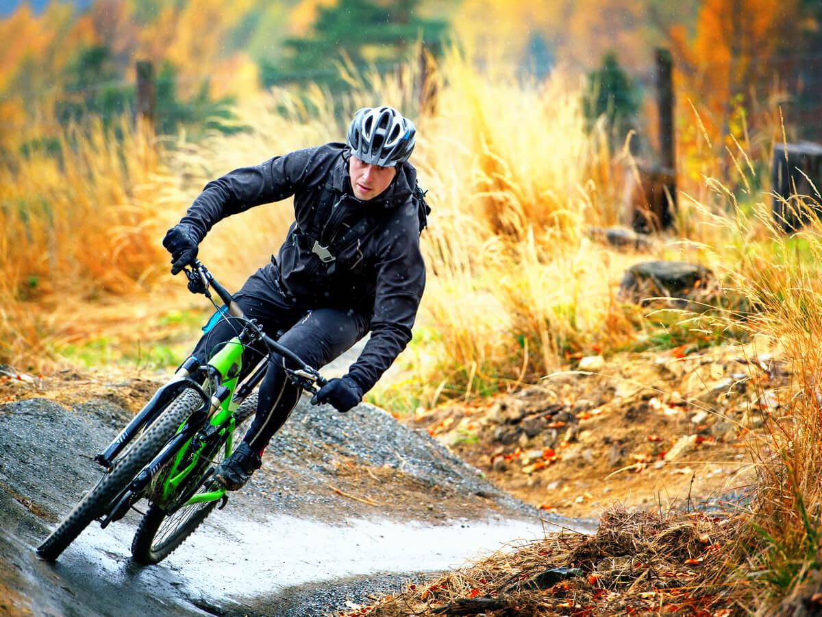 マウンテンバイク用タイヤおすすめ5選!サイズ・幅・軽さによってスピードが速くなる!?