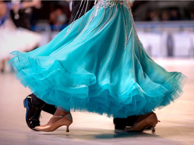 体型に合わせて選ぶ,社交ダンスドレス