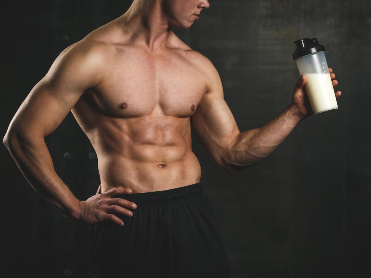 筋トレ後の筋肉痛をプロテインで防ぐ!?リカバリーにおすすめ商品3選