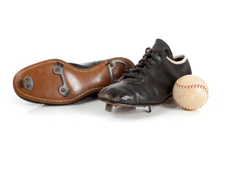 野球用スパイク選びの4つのポイント