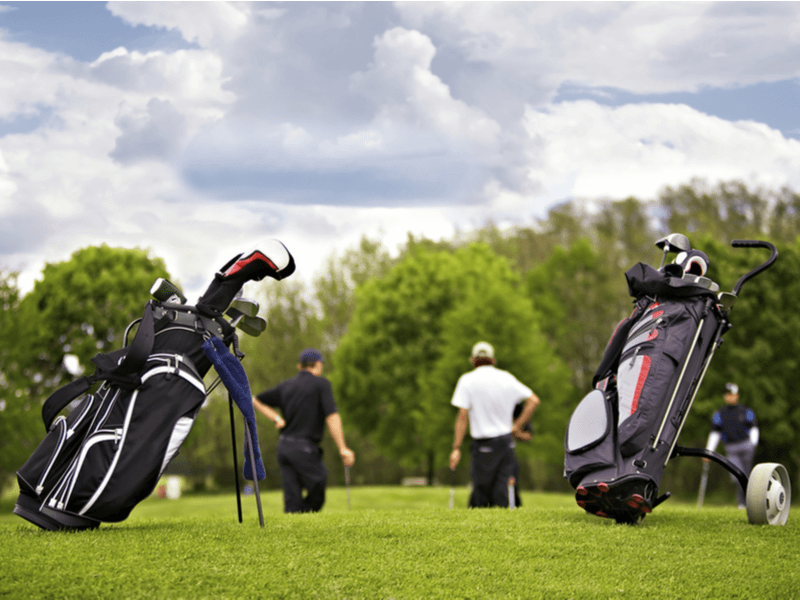 スタンドゴルフバッグとカートゴルフバッグ